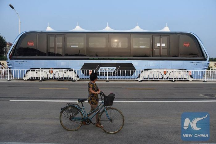 Elevated Bus Goes For A Test Drive In China
