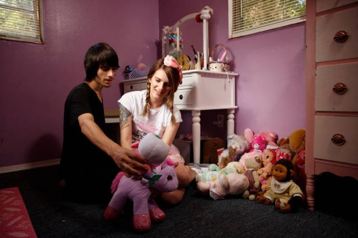 Girl From Florida Escapes Childhood Trauma By Living As An Adult Baby