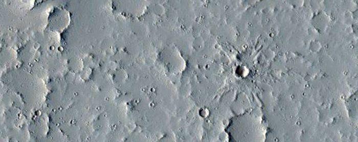 Interesting Photos Of Mars Taken By NASA's Mars Reconnaissance Orbiter