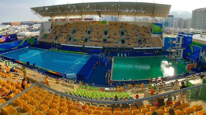 Olympic Pool In Rio Goes From Blue To Green In Just One Day