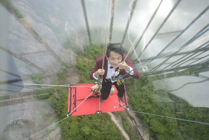 Couple Holds Wedding Ceremony In The Air In China