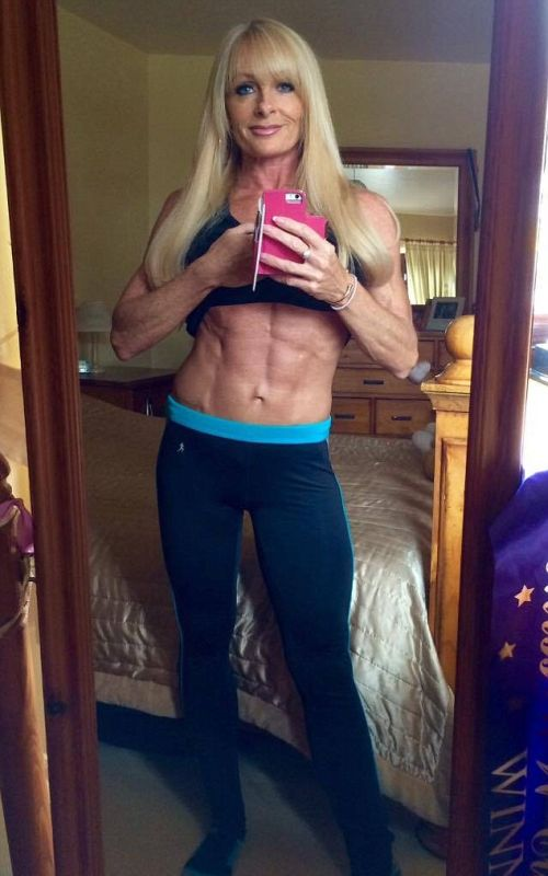 Bodybuilding Grandmother Shows Off Her Ripped Abs
