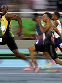 Usain Bolt Smiles For The Camera As He Zooms Past His Olympic Opponents
