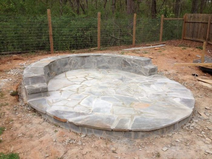 How To Build A Beautiful Fire Pit In Your Backyard Using