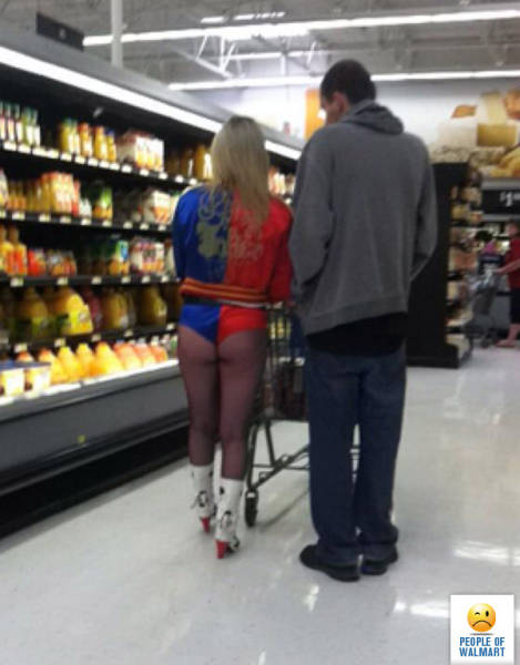 Upskirt en el supermercado scruffyvoyeur - 3 3