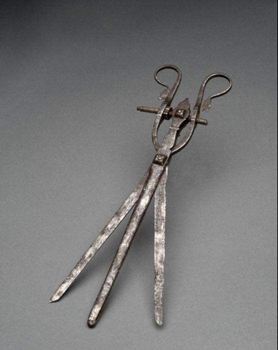 15 Disturbing Medical Instruments From The Past That Will Make You Cringe