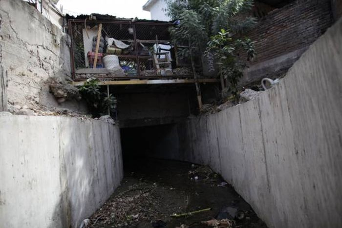 An Inside Look At The Illegal Tunnel System Between The US-Mexico Border