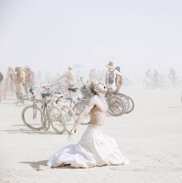 The Most Incredible Photos From Burning Man 2016, part 2016