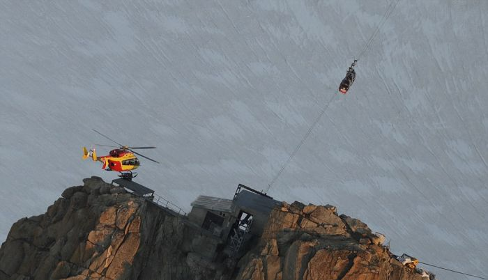 Over 30 Tourists Trapped Overnight In Cable Cars In The Alps
