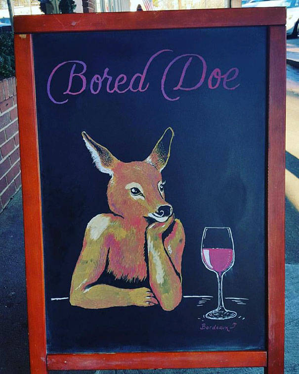 Clever Sidewalk Chalk Signs That Helped A Bar Increase Sales
