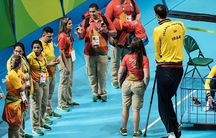 Massive Paralympian Towers Over His Teammates At 8 Feet Tall