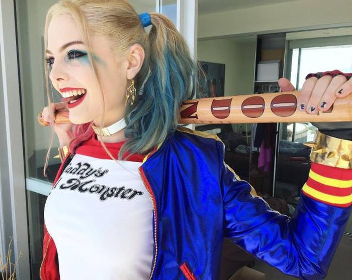 This Harley Quinn Cosplayer Bares A Striking Resemblance To Margot Robbie