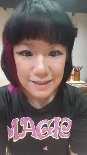 Woman's Failed Attempt At Ombre Hair Turns Into A Nightmare