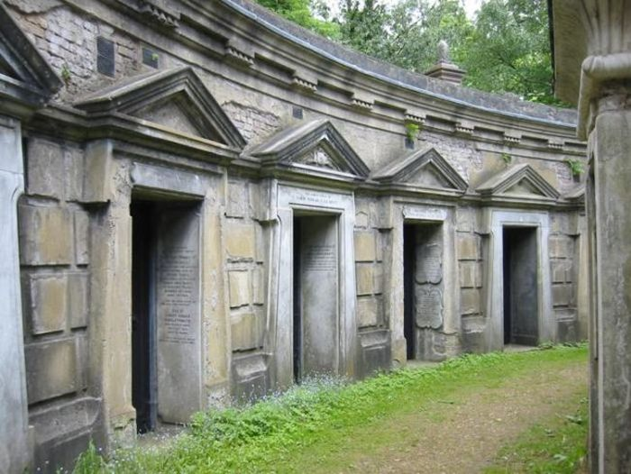 This Haunted Cemetery Has Become Legendary