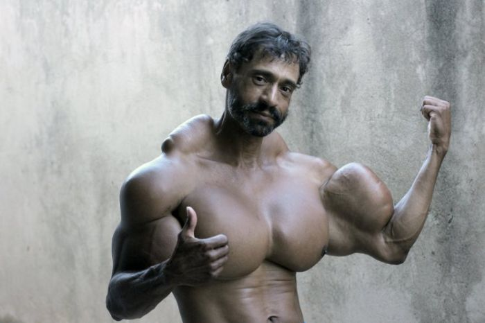 Bodybuilder Gets Ripped After Pumping Oil Into His Body
