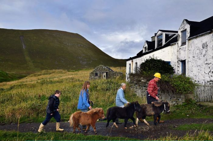 Interesting Pictures Show What Life Is Like On The Tiny Island Of Foula