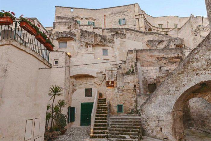 Inside This Italian Cave There Is An Incredible Hotel