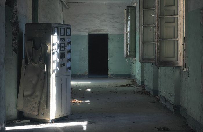 Spooky Images Of Europe's Abandoned Hospitals That Will Creep You Out