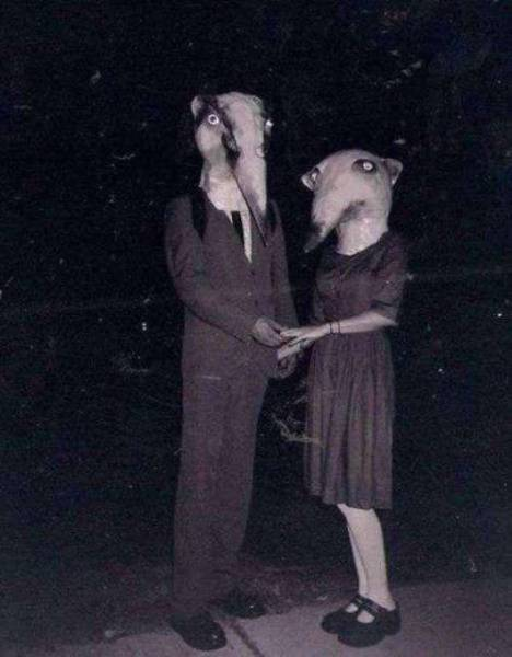 Creepy Halloween Costumes From Back In The Day That Will Haunt Your Dreams