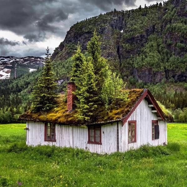 Breathtaking Photos Of Beautiful Abandoned Places