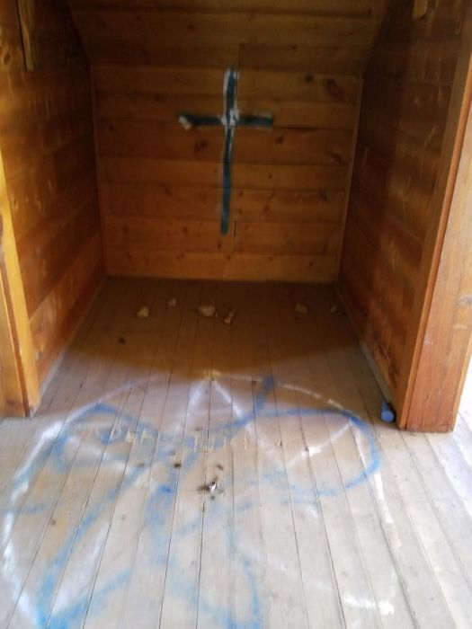 This Guy Found Something Very Disturbing In A Cabin In The Woods