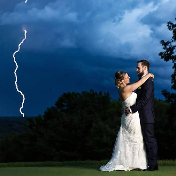 Crazy Photos Taken At The Perfect Moment That Definitely Weren't Planned