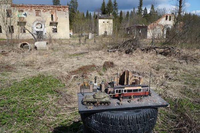 Incredible Diorama Recreates The Drama Of War