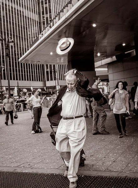 Awesome Street Photos That Were Taken At The Perfect Moment