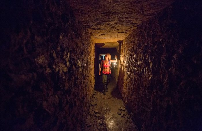 Real Life Indiana Jane Surfs Past Skeletons In The Catacombs Of Paris
