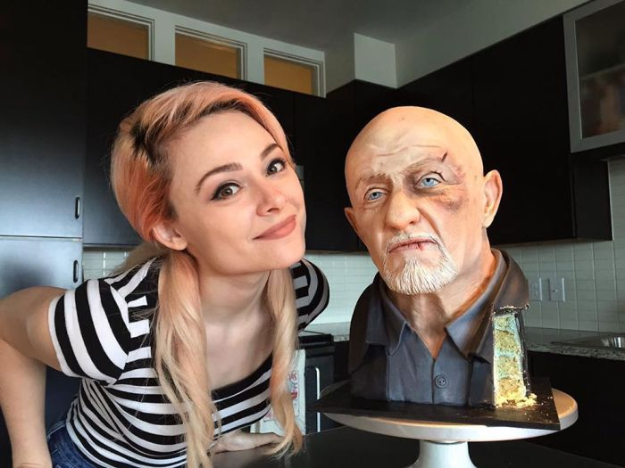 Talented Baker Creates Incredibly Realistic Breaking Bad Cake