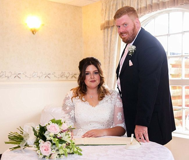 Couple's X-Rated Wedding Day Photo Goes Viral