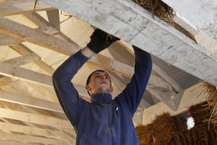 Man Builds Excellent House Made Of Straw