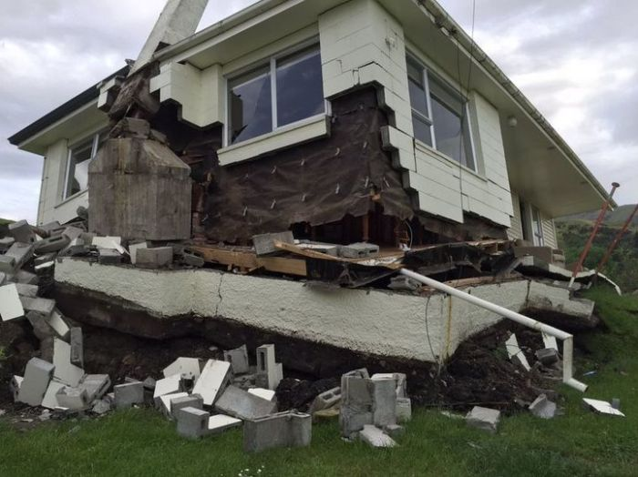Massive New Zealand Earthquake Claims The Lives Of Two People