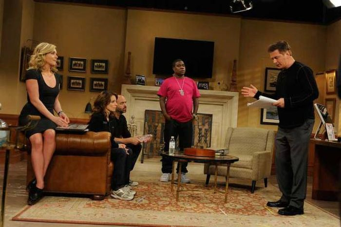 Fun Behind The Scenes Photos From Your Favorite TV Sitcoms