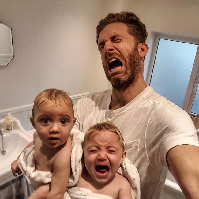 Father Of 4 Goes Viral Thanks To His Awesome Instagram Pics