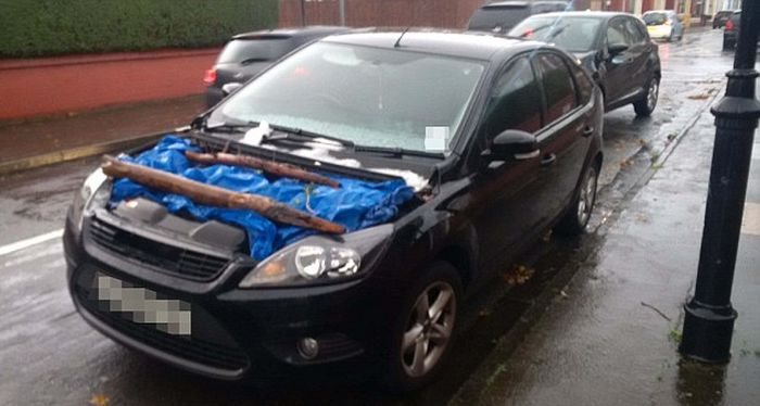 Thief Steals The Hood Of The Family Car In Just Three Minutes