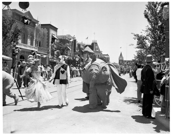 Enchanting Photos From Disneyland's Opening Day