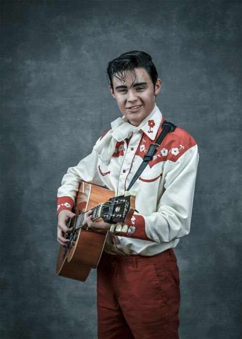 19 Elvis Lookalikes That Will Make You Cringe Big Time
