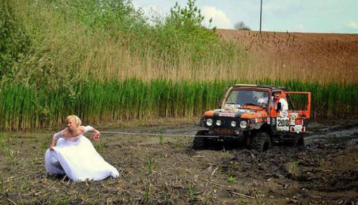 Amusing Wedding Pictures That Captured A Really Good Time