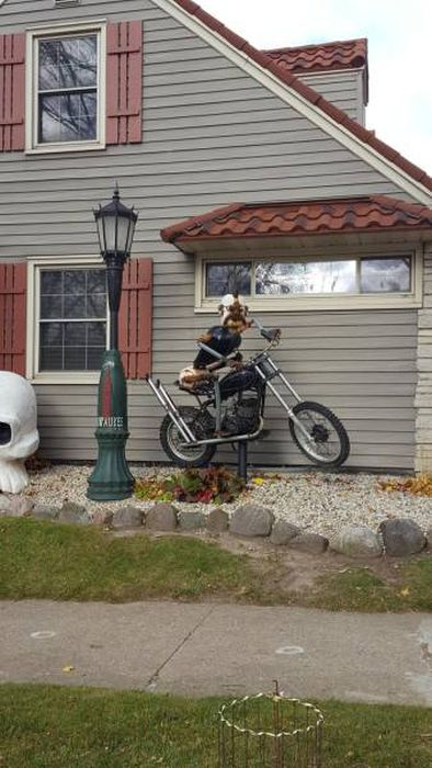 This Man's House Is Full Of Many Crazy Things