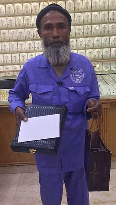 Cleaner Who Was Mocked Online Gets Gifts From Generous People