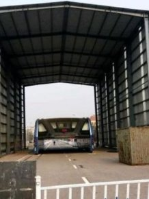 China's Futuristic Bus Is Now Abandoned And Collecting Dust