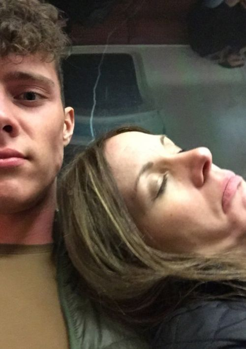 Man Takes Selfies With Stranger Who Passed Out On His Shoulder
