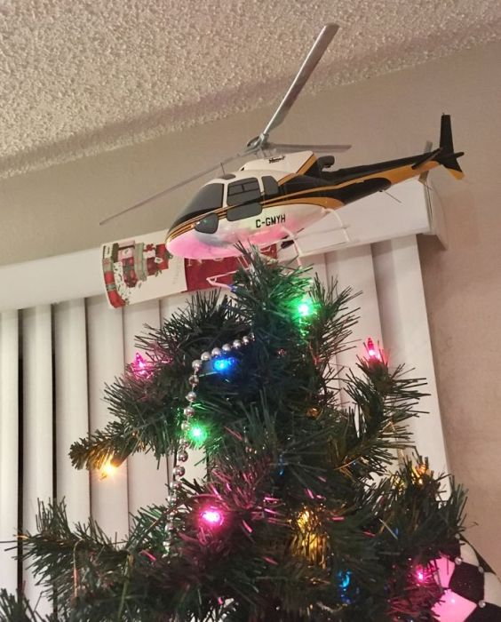 A Collection Of Amusing And Creative Christmas Tree Toppers