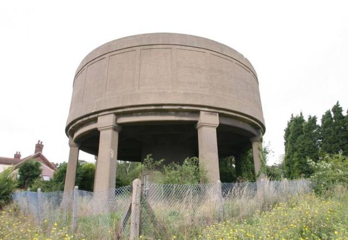 Water Tower Gets Turned Into A Luxurious Family Home