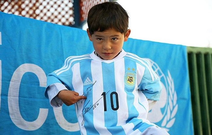 Young Afghan Boy Finally Gets To Meet His Hero Lionel Messi