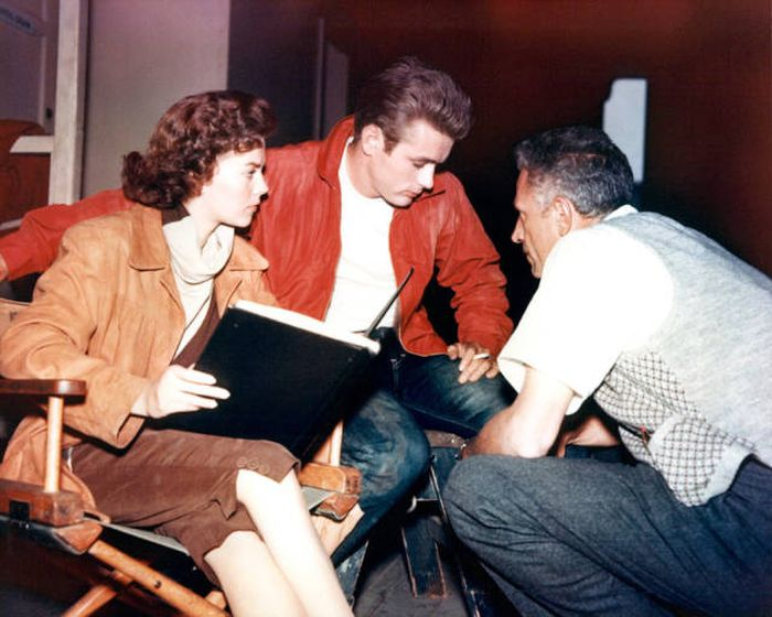 32 Rare Behind The Scenes Pictures From Famous Movies