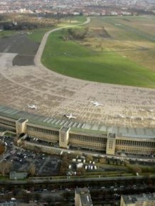 Tempelhof Airport Is Now Germany's Biggest Refugee Camp