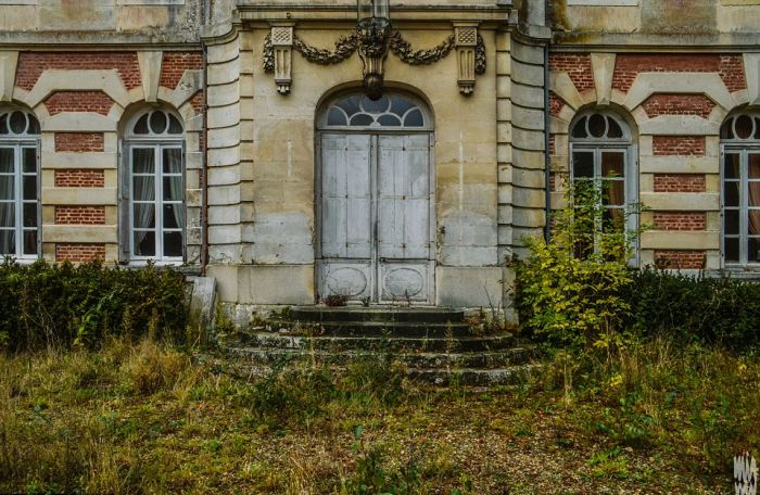 Spooky French Chateau Lies Frozen In Time