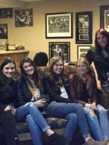 Can You Find The Woman's Missing Legs In This Crazy Photo